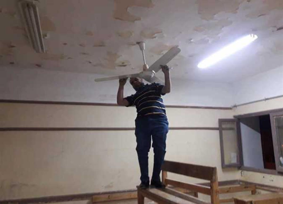إزالة مراوح السقف من كافة المدارس بالجمهورية