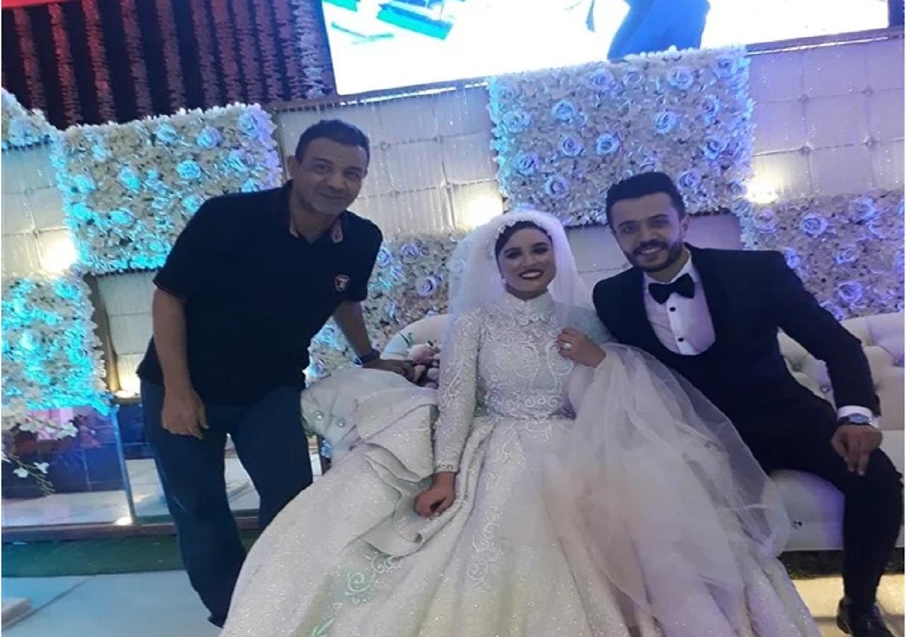 شاهد| في جنازة مهيبة الآلاف يشيعون عروسي الجنة بعد 24 ساعة من حفل الزفاف بالشرقية