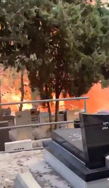 """بالفيديو والصور """"النيران تشتد"""" حرائق ضخمة تجتاج إسرائيل ومئات الحرائق حتى الآن واجتماع عاجل لنتنياهو 1"""