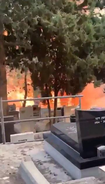 """بالفيديو والصور """"النيران تشتد"""" حرائق ضخمة تجتاج إسرائيل ومئات الحرائق حتى الآن واجتماع عاجل لنتنياهو 2"""