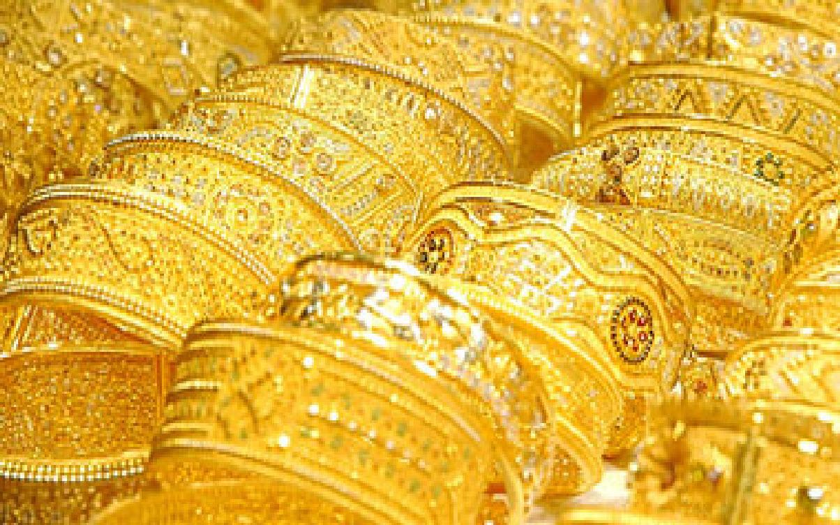 الذهب يهبط لأدنى مستوى له منذ أيام وينخفض بمقدار 40 جنيه للجرام والخبراء فرصة لزيادة عمليات الشراء