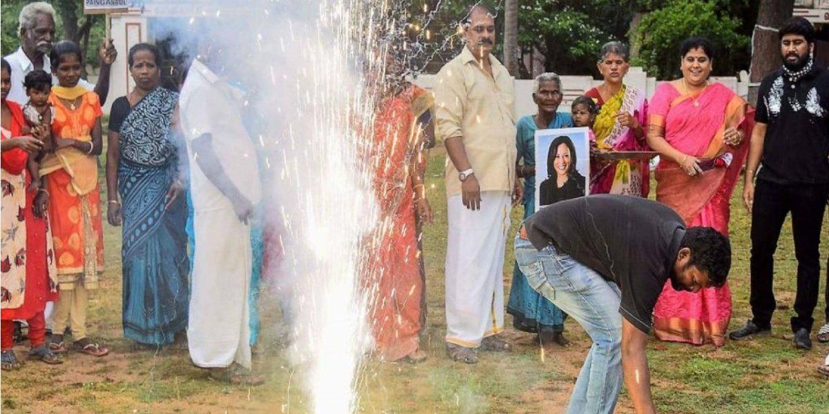احتفالات وألعاب نارية في قرية هنديةفرحا بفوز كامالا هاريس