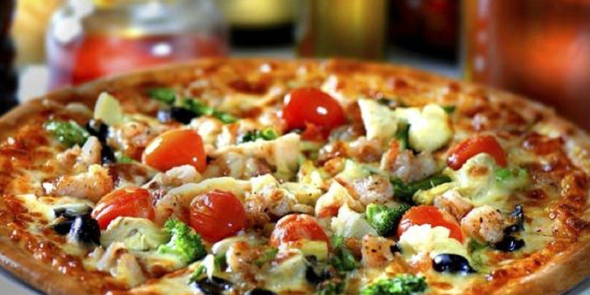طريقة عمل البيتزا الايطالية في المنزل بوصفة ممتازة وسهلة التحضير