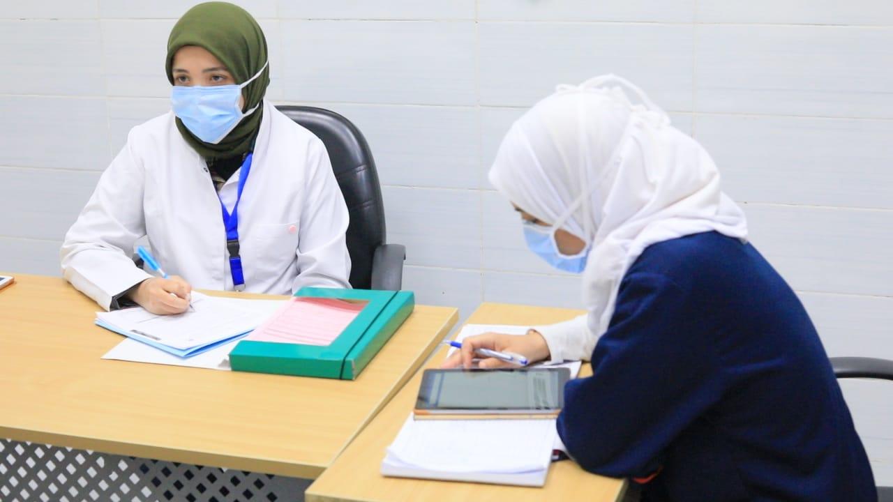 التأمين الصحي يعلن شروط حصول الموظفين على إجازة من العمل بسبب كورونا