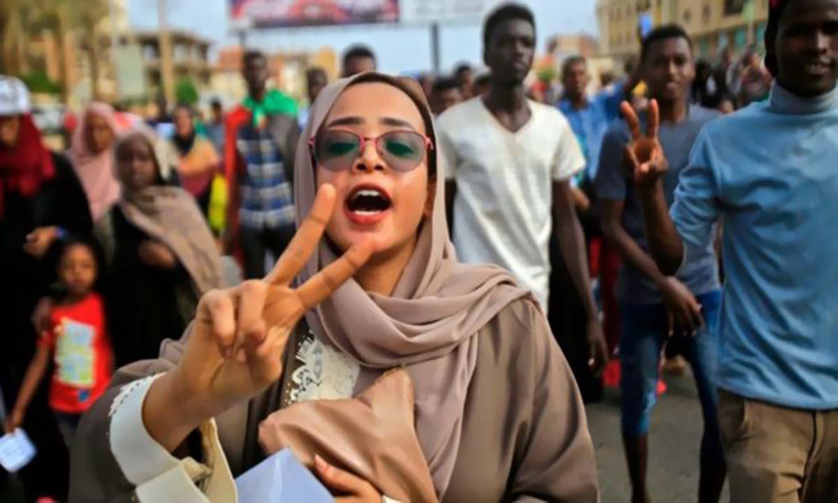رسميا: الولايات المتحدة ترفع أسم السودان من قائمة الإرهاب