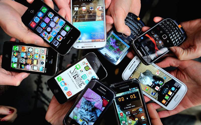 ثلاثة أخطاء شائعة تُدمر الهواتف الذكية وتؤدي إلى اختراقها في ثوان