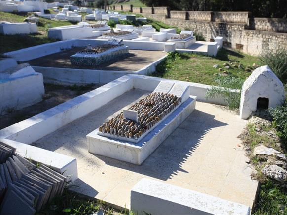 """""""المنزول الأندلسي"""" مقابر الأحياء عادة يتبعها سكان مدينة تونسية 1"""