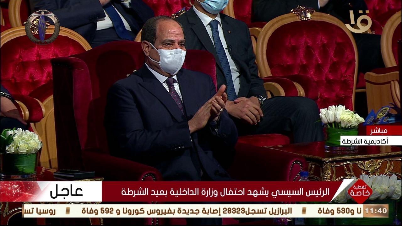 شاهد بالصور.. لحظة بكاء الرئيس السيسي اليوم وتأثره أثناء كلمة الرائد صلاح الحسيني 2
