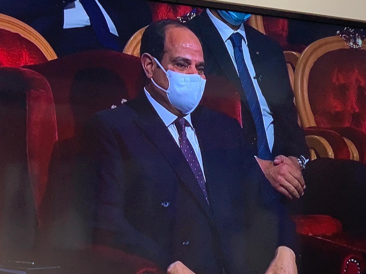 شاهد بالصور.. لحظة بكاء الرئيس السيسي اليوم وتأثره أثناء كلمة الرائد صلاح الحسيني