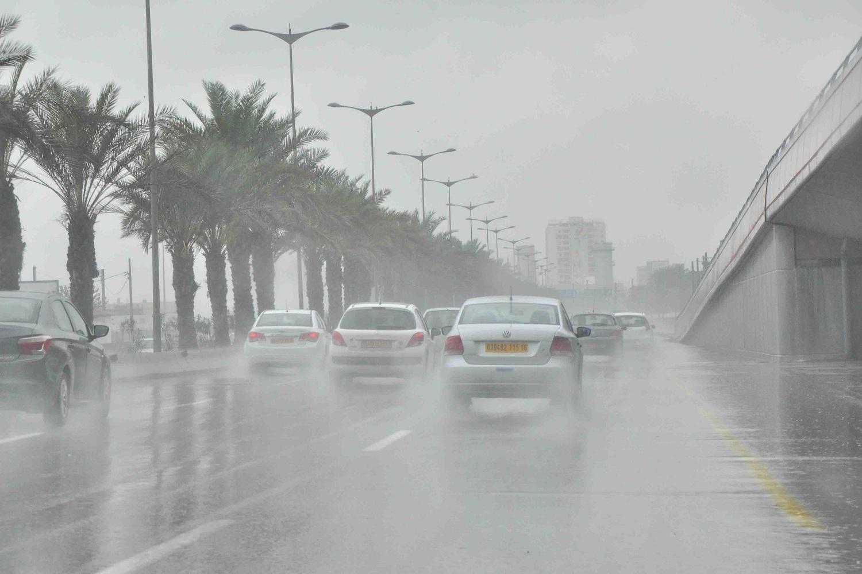 الأرصاد الجوية تحذر من موجة أمطار جديدة ورياح تضرب البلاد يصاحبها انخفاض كبير بالحرارة وتُعلن موعدها