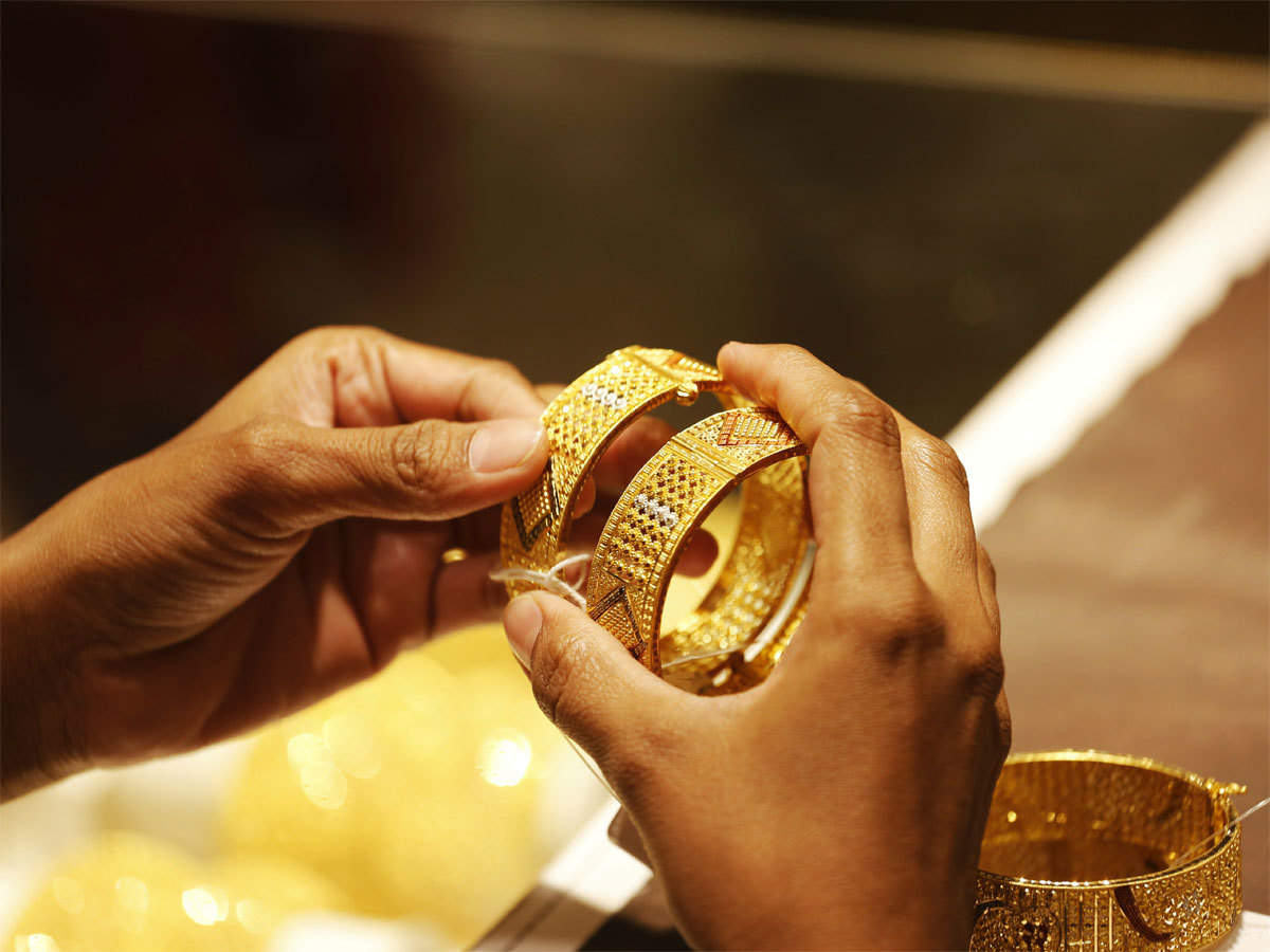 The price of gold today in Kuwait in dinars and the US dollar, after its recent decline 4