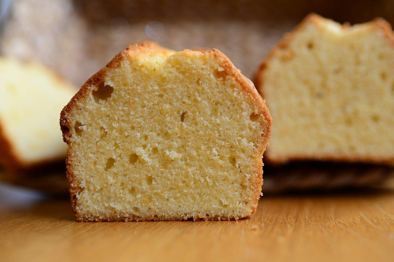 طريقة عمل الكيكة الاسفنجية نتيجة مضمونة 100 % وشروط نجاحها