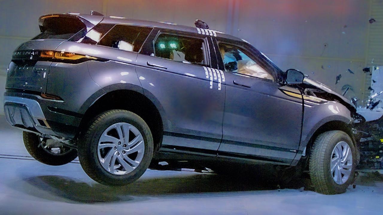 """رنج روفر تنقذ الإعلامي """"عمرو أديب"""" ما هي أنظمة الأمان بهذه السيارة؟"""
