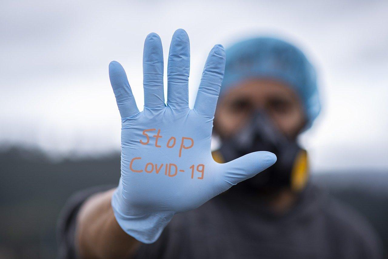 فيروس كورونا يصيب وزيرين بالحكومة ومفاجأة سارة عن لقاح الكورونا