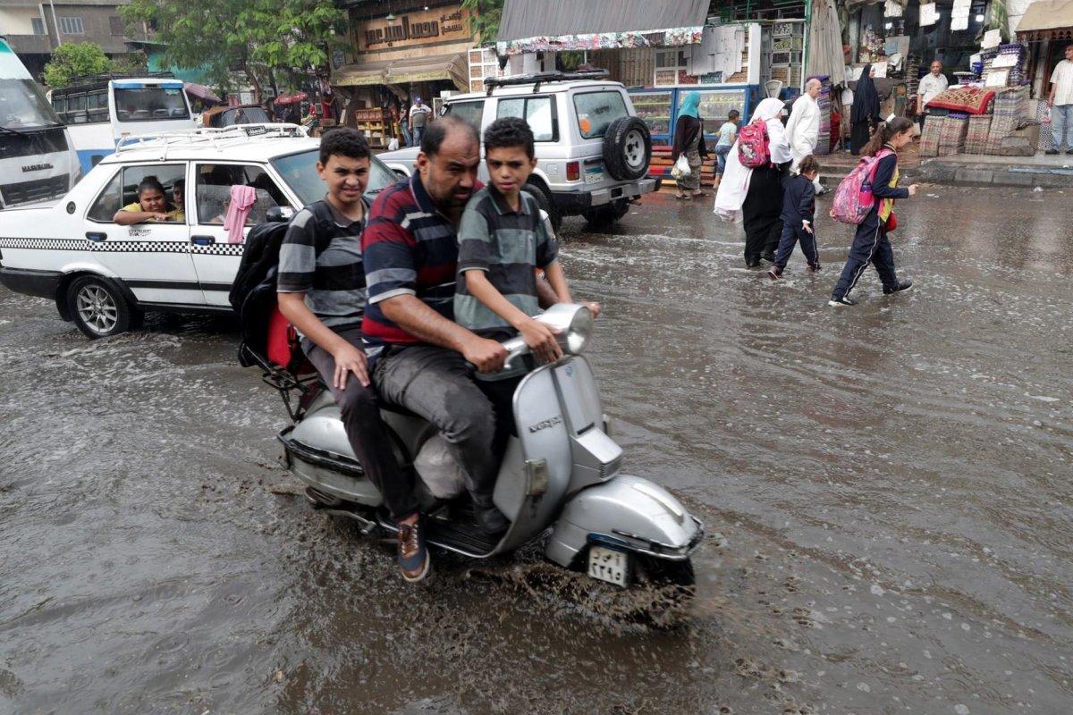 موجة أمطار غزيرة ورعدية تضرب البلاد.. الأرصاد الجوية تحذر من طقس الـ3 أيام القادمة 3