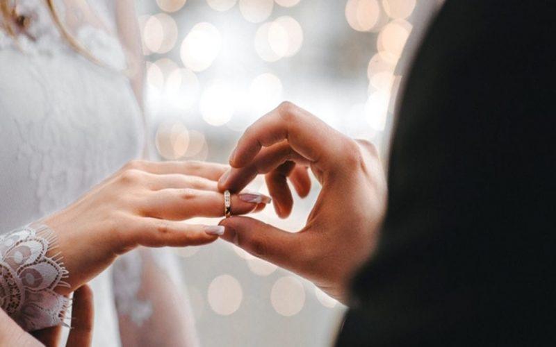 مطالبات بتسهيل زواج السعودي من اجنبية