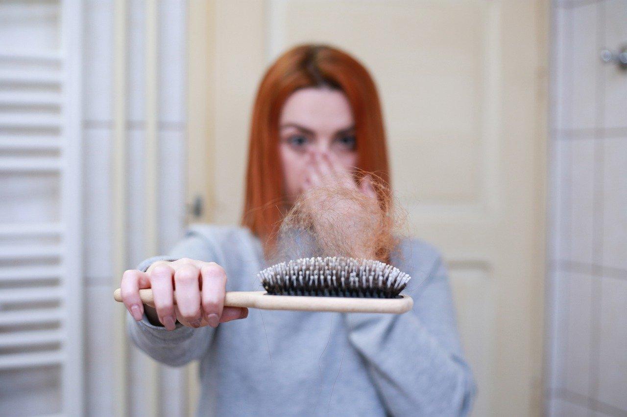 زيت الزيتون علاج فعال لتساقط الشعر