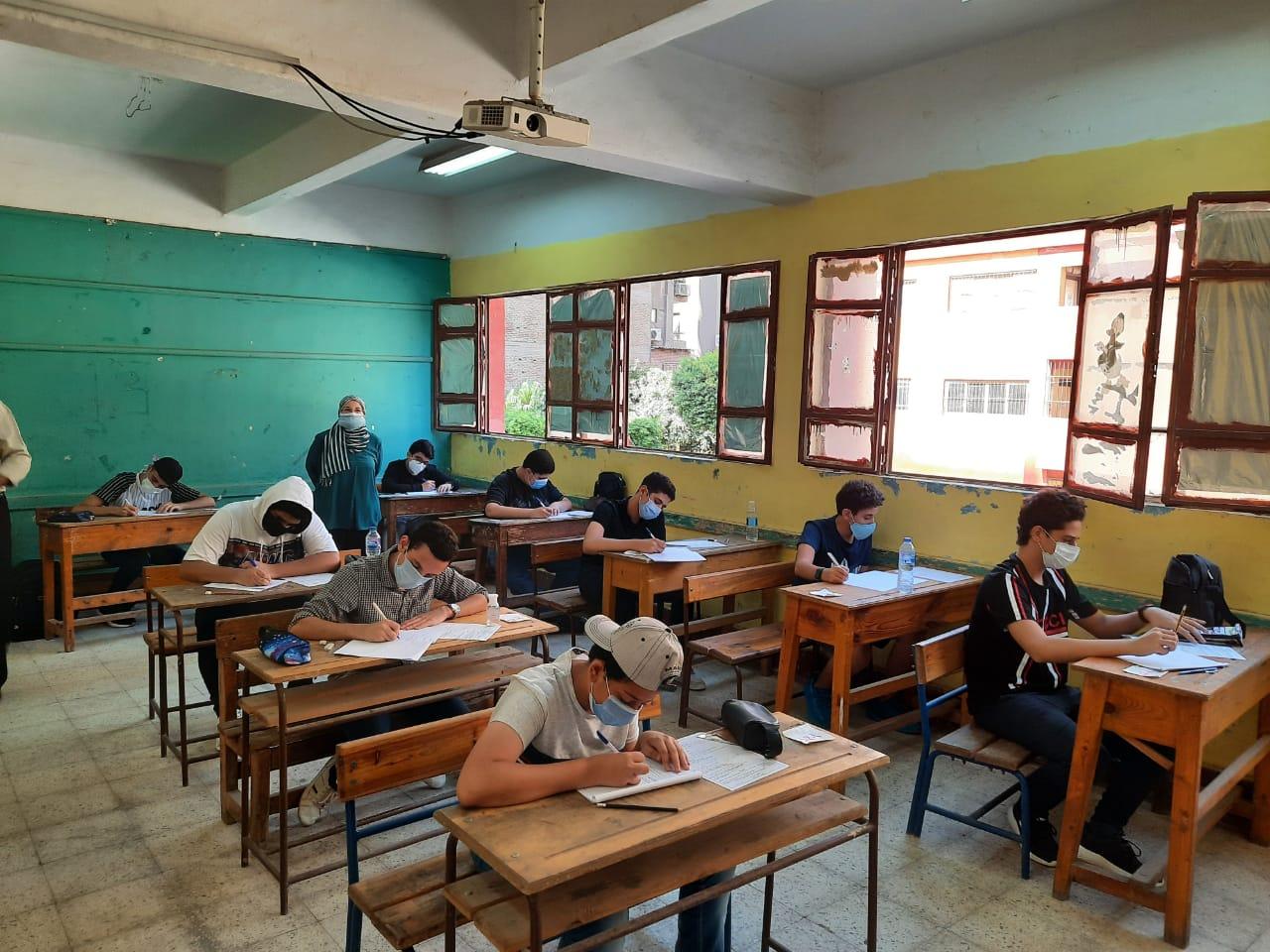 نماذج استرشادية لامتحانات الصف الثاني الإعدادي الفصل الدراسي الأول 2021