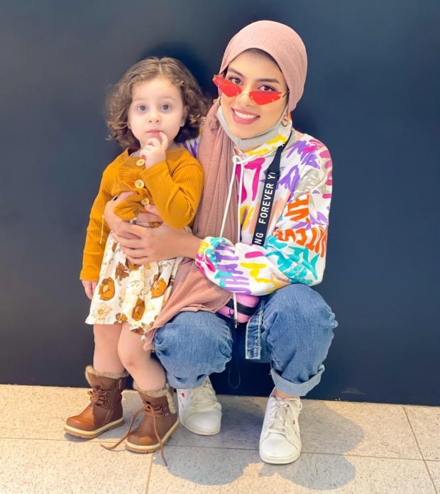 بالفيديو والصور.. أحمد حسن وزينب يودعان عائلتهما بالدموع ويعلنان بشكل مفاجئ مغادرتهما لمصر نهائياً 3