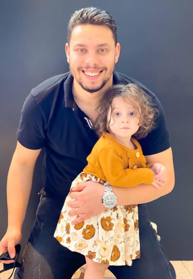 بالفيديو والصور.. أحمد حسن وزينب يودعان عائلتهما بالدموع ويعلنان بشكل مفاجئ مغادرتهما لمصر نهائياً 4