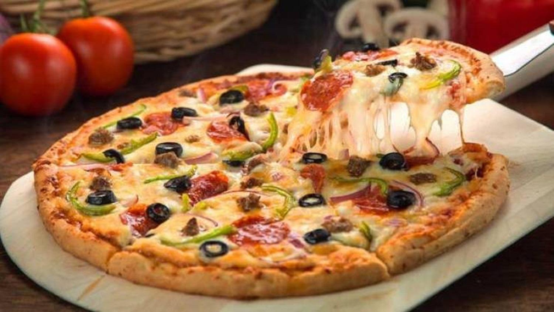 طريقة عمل البيتزا بالفراخ بطريقة سهلة وسريعة