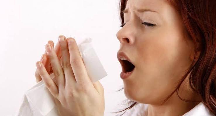 أعراض فيروس كورونا.. وكيف تفرق بين البرد وفيروس كورونا؟ 3