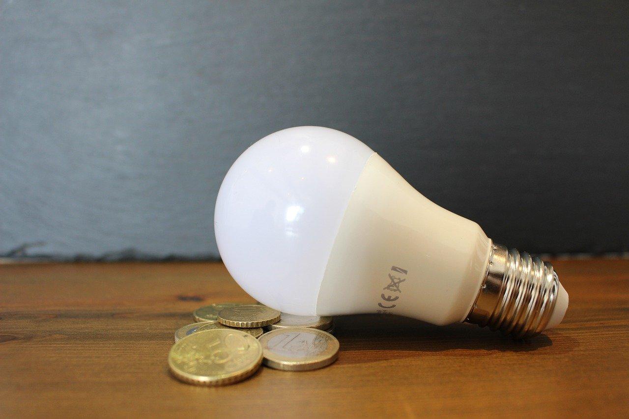 أهم المستندات والإجراءات اللازمة لنقل ملكية عداد الكهرباء والرسوم المطلوبة