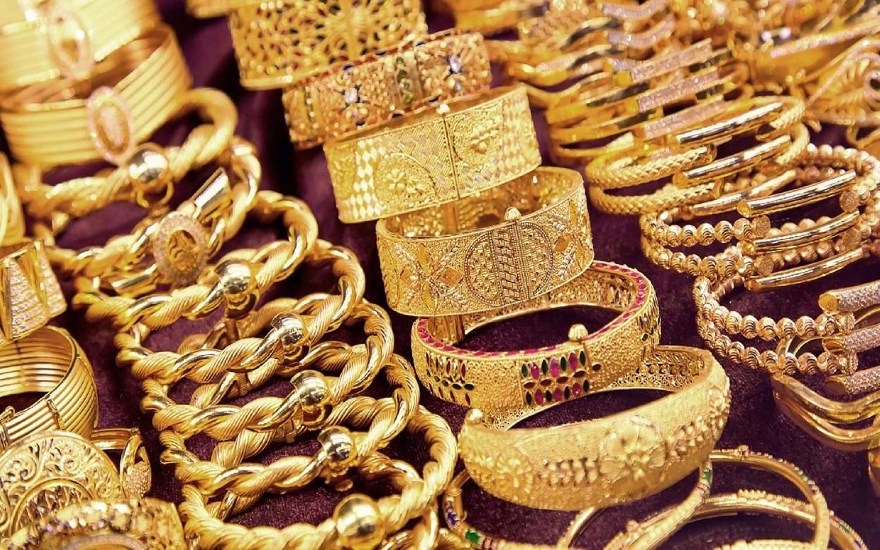 تراجع أسعار الذهب منذ قليل بالسوق المصرية وجرام 21 يسجل رقم جديد
