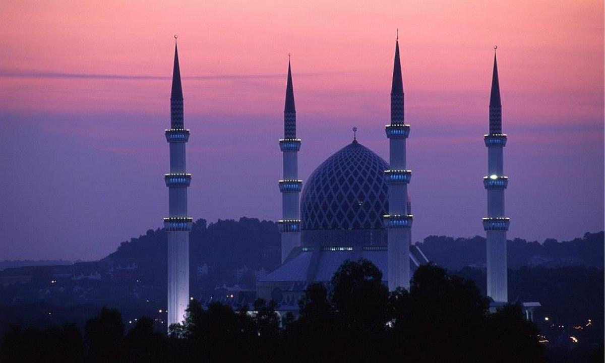 مواقيت الصلاة خلال شهر رمضان و موعد اذان الفجر حسب إمساكية دار الإفتاء المصرية