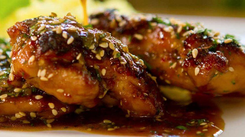 وصفة الدجاج على الطريقة الصينية بالعسل و صوص الصويا 5