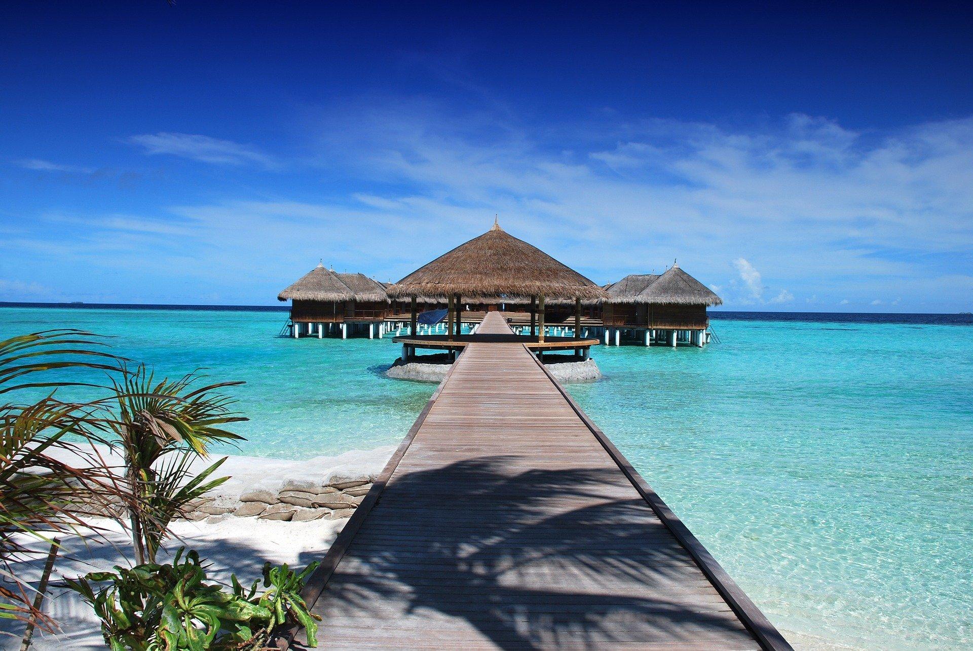 """""""لقاح و إجازة و سياحة"""" فكرة ثلاثية طرحتها المالديف للتشجيع على عودة السياحة فيها"""