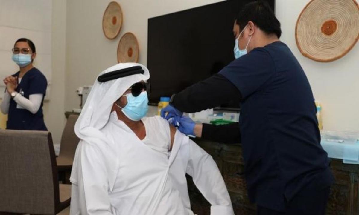 الإمارات في المرتبة الأولى عالميًا في معدل التطعيم ضد فيروس كورونا