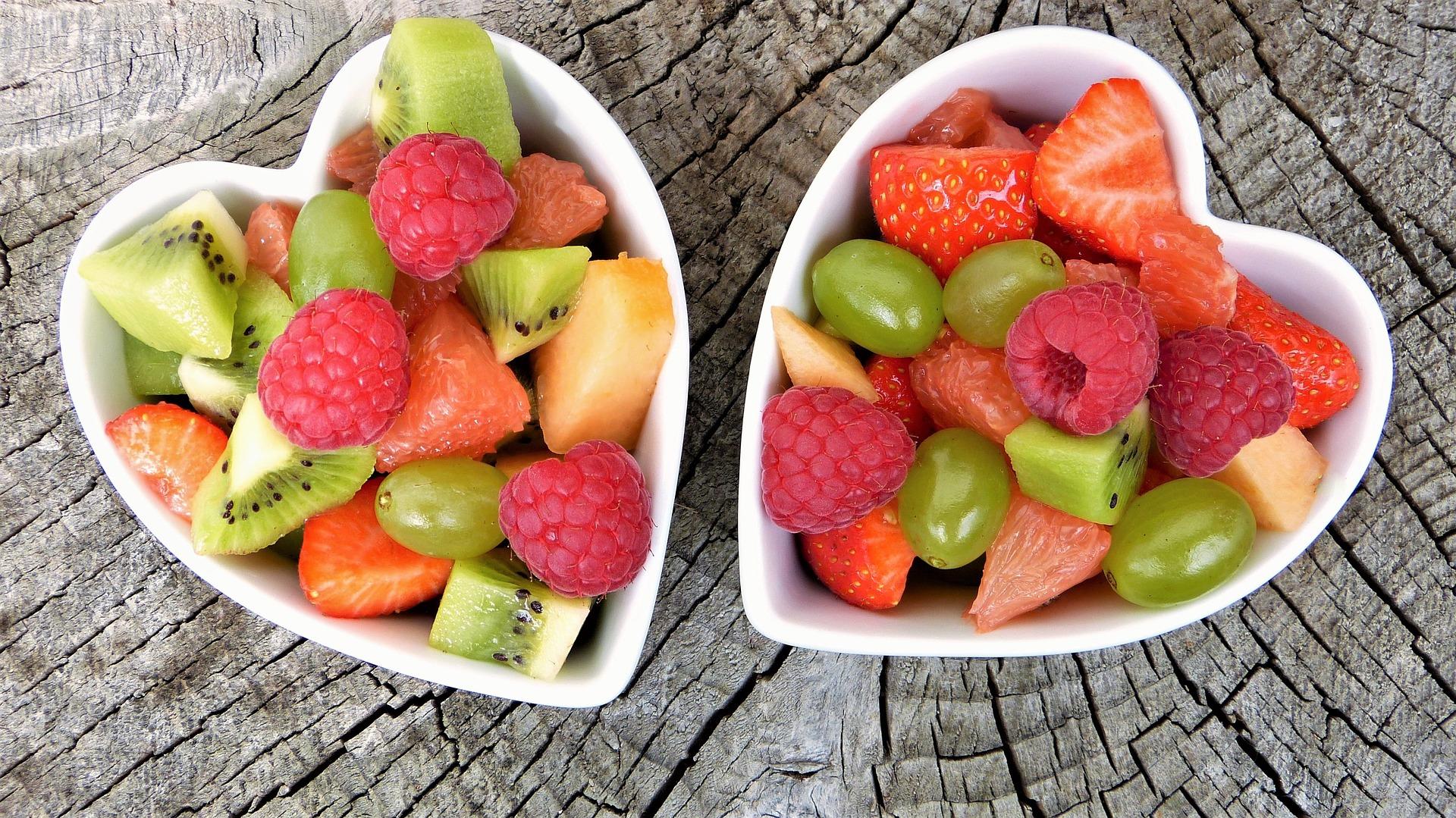أهمية تناول الفواكه لجسم الإنسان