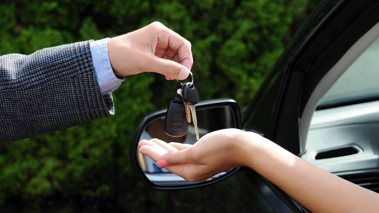 رسوم تسجيل السيارات بالشهر العقاري 2021