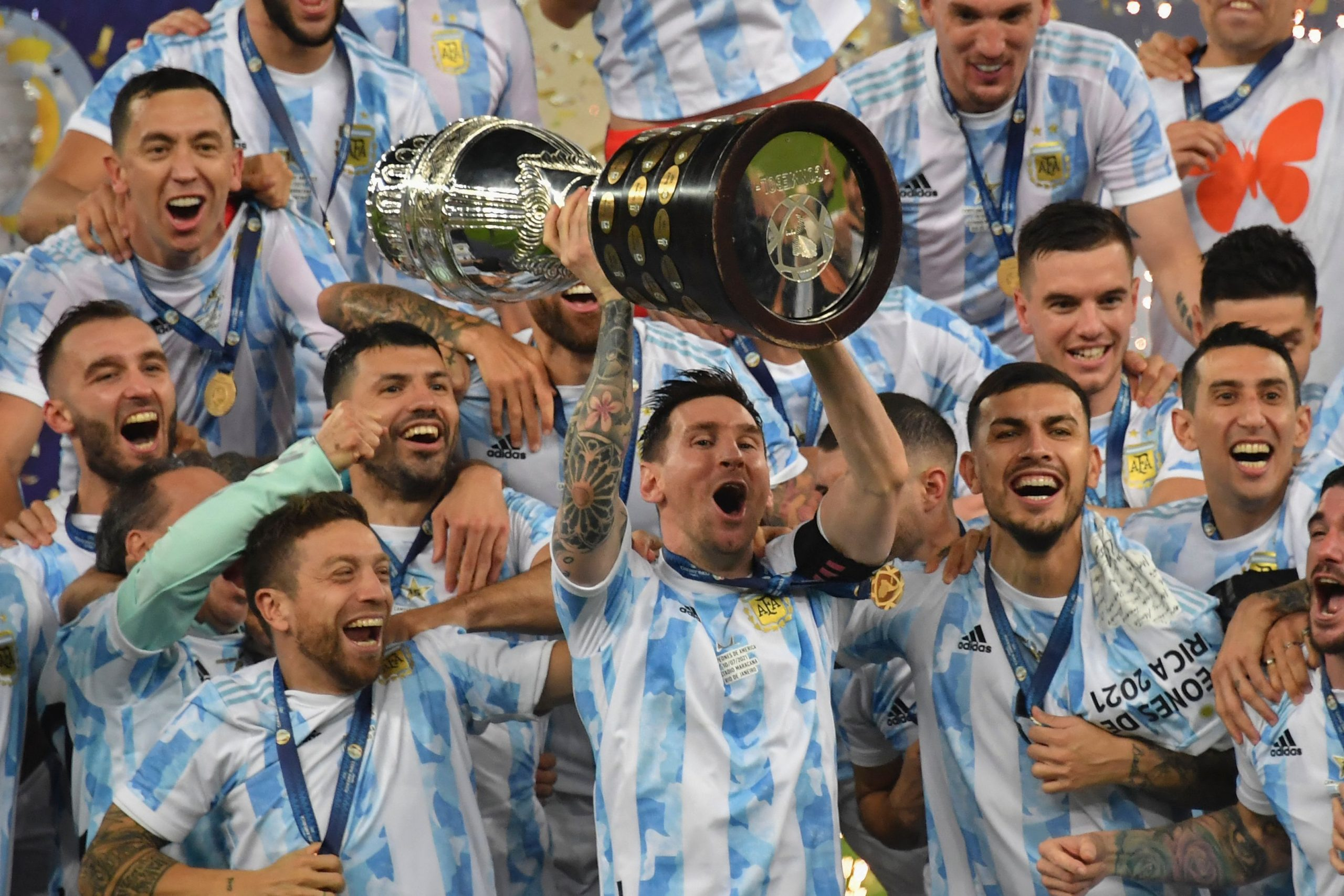 ميسي يقود الأرجنتين للفوز بكوبا أمريكا.. وإيطاليا تعود لمنصات التتويج بعد فوزها باليورو