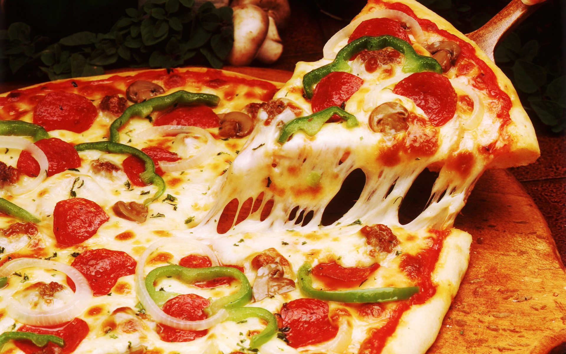 pizza sosis