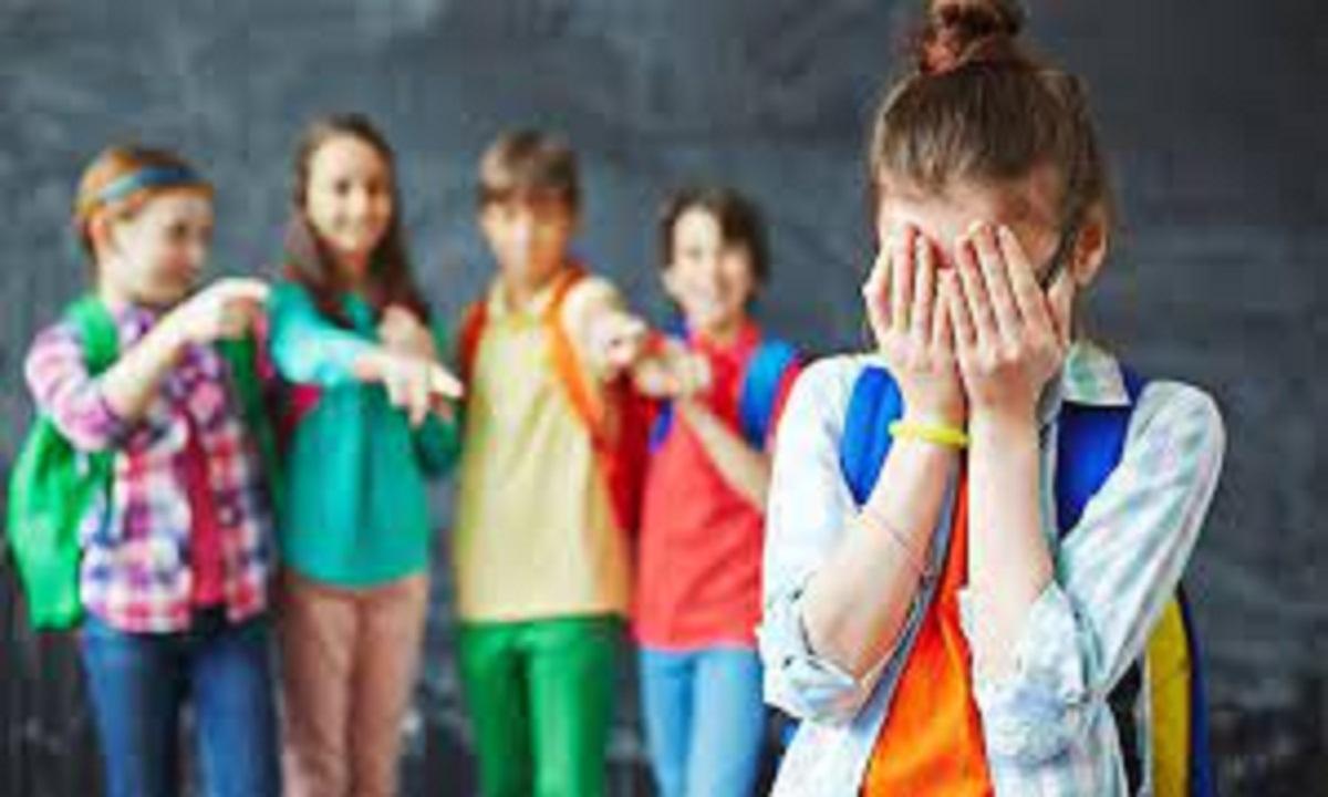 كيف أعلم طفلي مواجهة التنمر؟