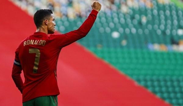 رونالدو يقود منتخب البرتغال للفوز ويحقق رقم قياسي جديد
